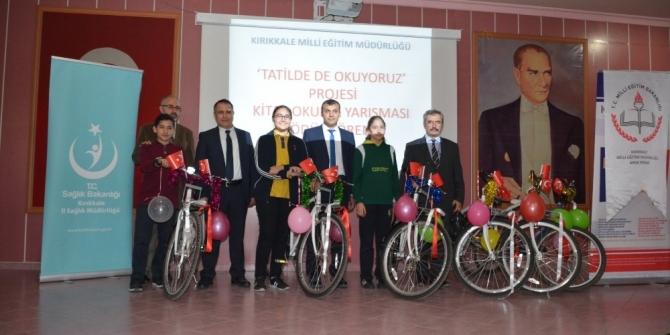 """Kırıkkale'de """"Tatilde de Okuyoruz"""" yarışmasında öğrencilere ödül"""