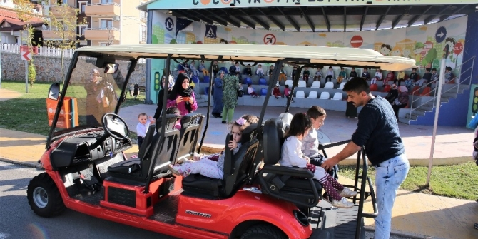 Başiskele'de miniklere trafik eğitimi