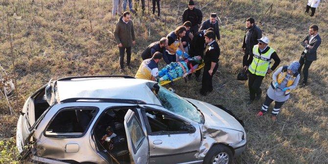 Otomobil şarampole yuvarlandı, sürücü ağır yaralandı