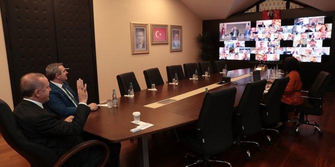 Cumhurbaşkanı Erdoğan ilçe başkanlarıyla telekonferans yoluyla görüştü