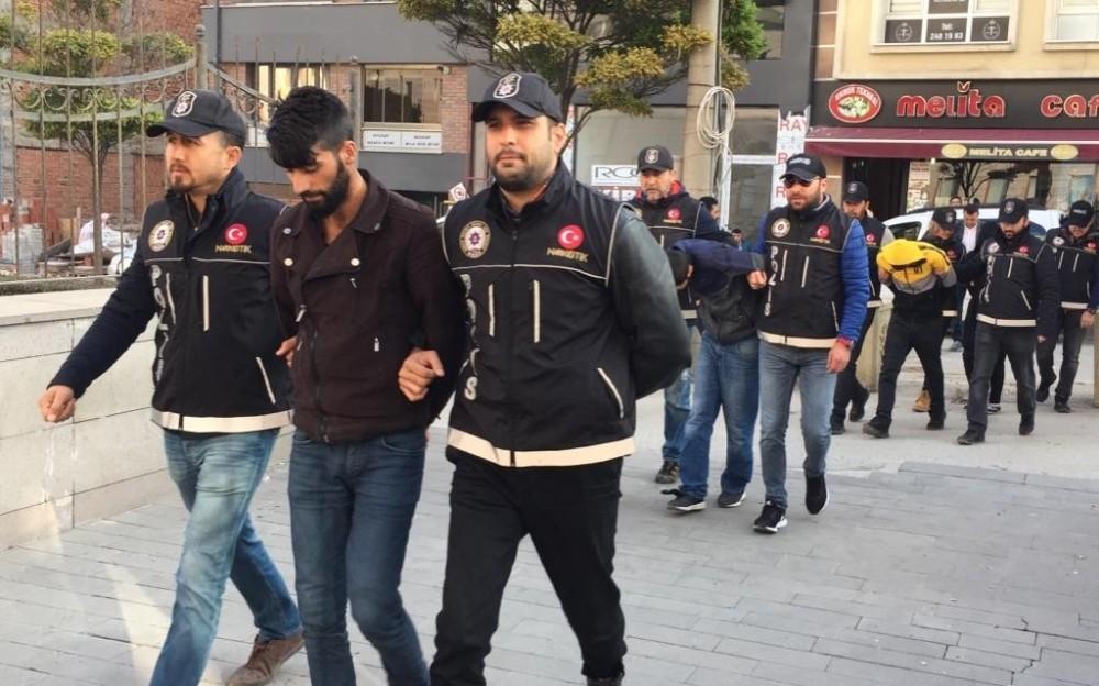 Eskişehir'de Uyuşturucu 9 şüpheliden 6'sı adliyeye sevk edildi.