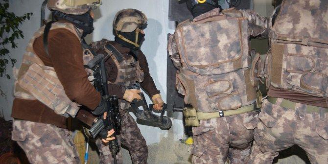 Adana'da 350 polis ile narkotik operasyonu: 25 gözaltı