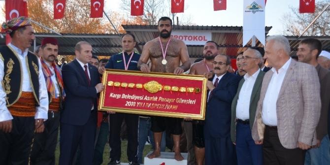 Kargı'da güreşlerinde şampiyon Ünal Karaman