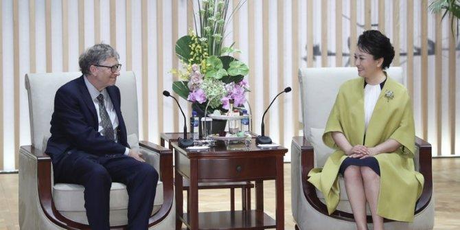 PengLiyuan, Bill Gates ile görüştü