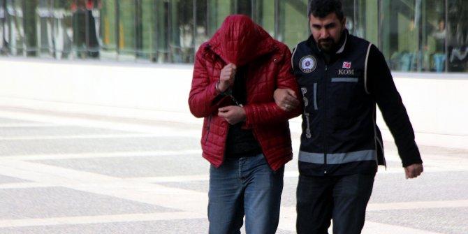 Dolandırıcılıktan aranan şüpheli, 26kredi kartıyla yakalandı