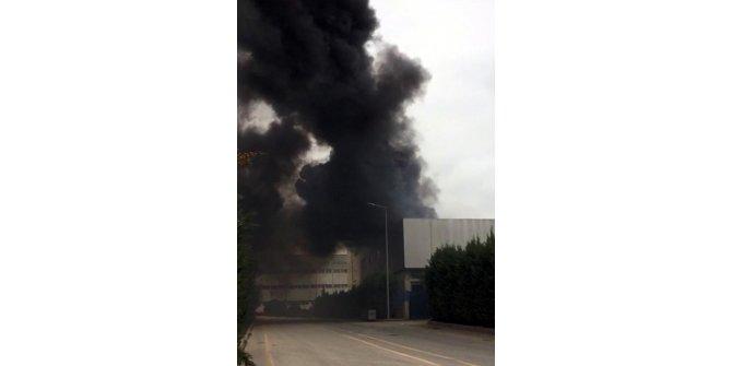 Gebze'de, fabrika çatısında yangın (2) - Yeniden