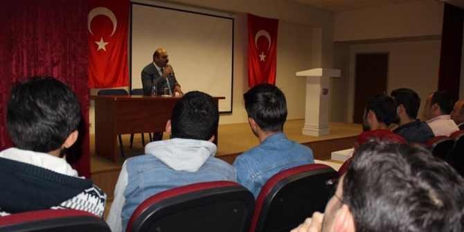 Başkan Orhan, gençlerin söyleşi konuğu oldu