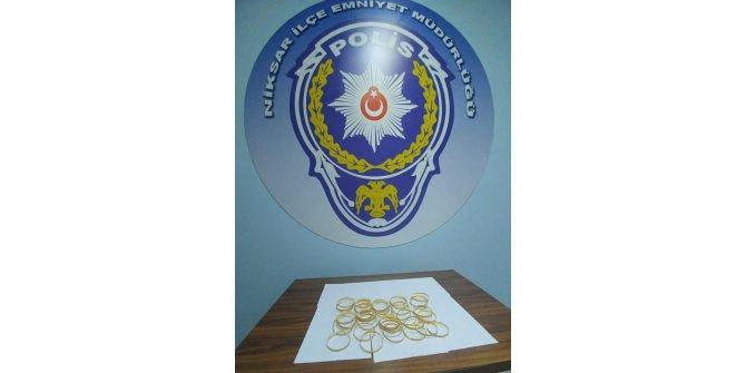 Kuyumculara sahte altın satmaya çalışan 3 kişi yakalandı