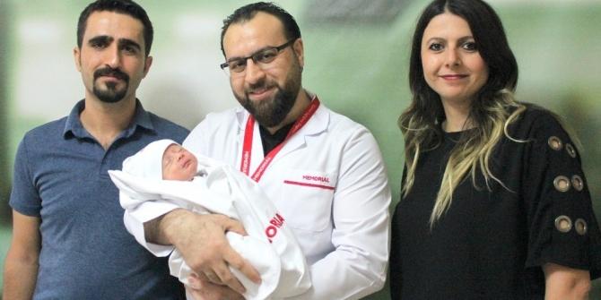 Doğduğu gün yapılan ameliyatla yaşama tutundu