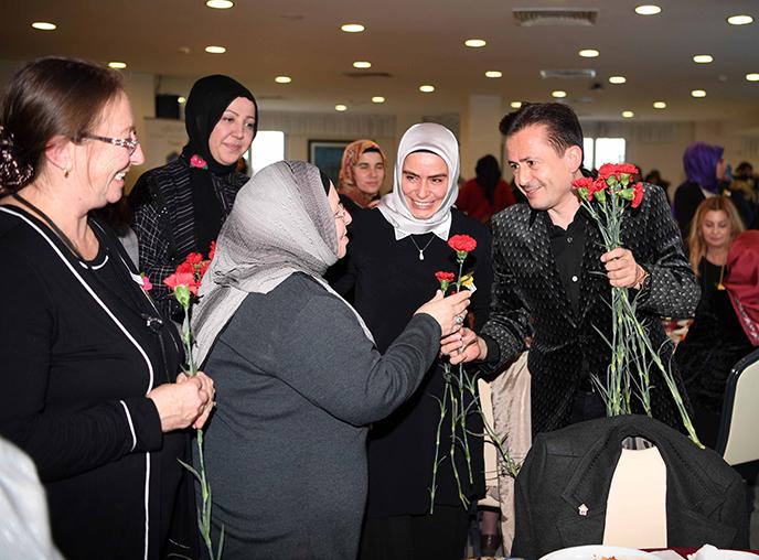 Tuzla'nın Gönüllü Kadınları, 5 Aralık Gönüllüler Günü'nü kutladı