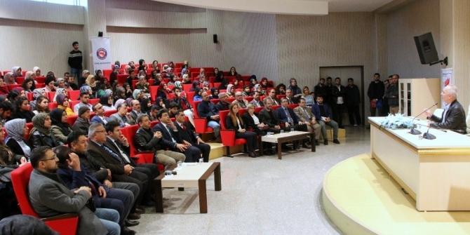 """Kiliste """"Diriliş Çağrısı ve Sezai Karakoç"""" konferansı"""