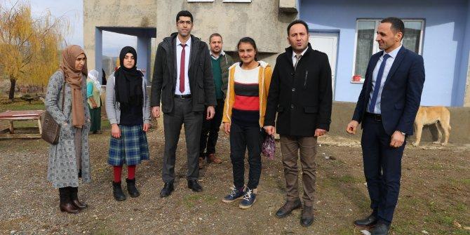 Varto Haberleri: Varto'da aileleri ikna edilen kız çocukları, okula başladı 14