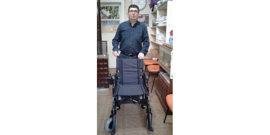 Yardımsever vatandaştan akülü sandalye