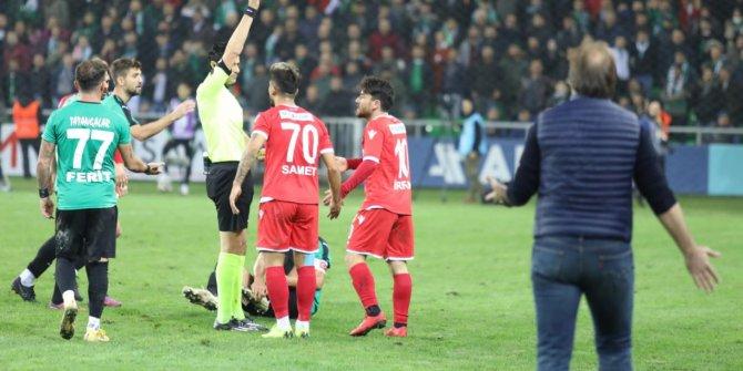 """Taner Taşkın: """"Hakem verdiği ilk penaltı ile rakibi oyunda tuttu"""""""