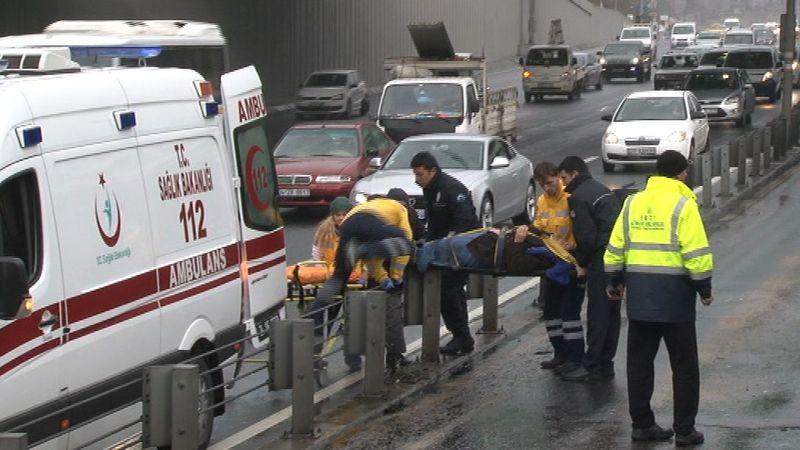 Edirnekapı'da Metrobüs Kazası: 3 Yaralı Var