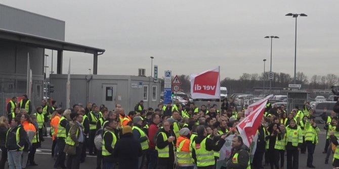 Almanya'da havalimanlarındaki grev, 600'ün üzerinde uçuşun iptaline neden oldu