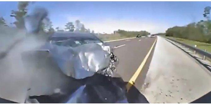 Hayatını, aracına çarptığı polis kurtardı