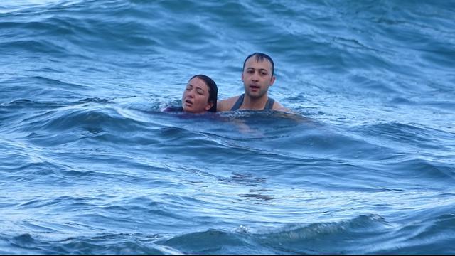 Denize düştü şansı sayesinde kurtuldu!