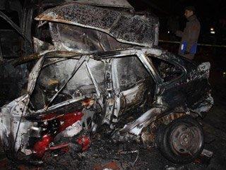 Kaza yapan aracın LPG tankı patladı