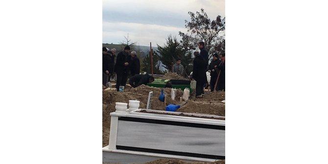 Keşan Haberleri: Babasının öldürdüğü Diğdem Uslu, toprağa verildi 7
