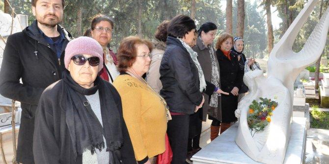 Kadın adaylar, Özgecan'ı mezarı başında andı