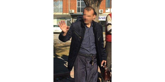 Kapkaççı, arkadaşını merak edip olay yerine dönünce yakalandı