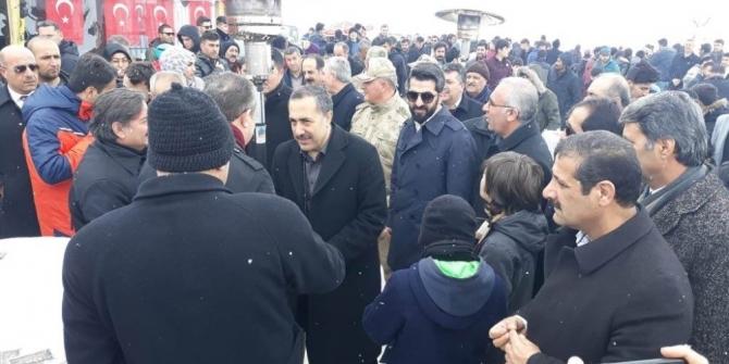 "AK Parti'li Arvas: ""HDP'li seçmenin oylarına talibiz"""