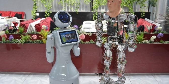 Yerli robotlar arasında teknoloji sohbeti