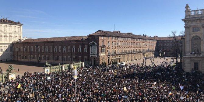 Almanya'da ülke genelinde 310 bin öğrenci yürüdü