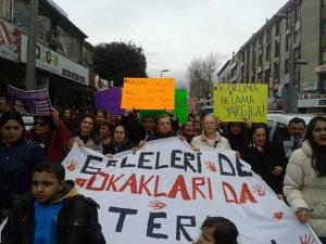 CHP Pendik Gençlik Kolları Özgecan'ı Unutmadı