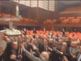 Meclis'teki kavganın video görüntüleri