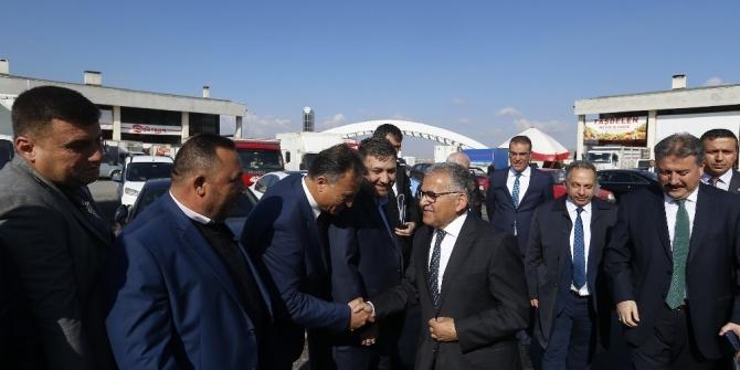 Başkan Memduh Büyükkılıç, Kayseri Hali Esnafı ile bir araya geldi