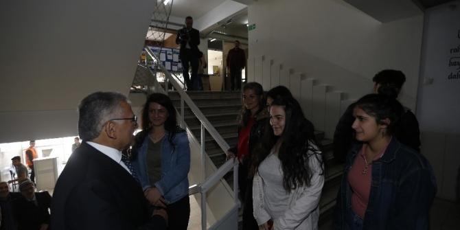 Başkan Büyükkılıç öğrencilerle bir araya geldi