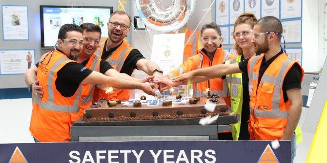 Fabrikada kazasız 6 yıla pastalı kutlama