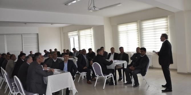 Şuhut'ta köy muhtarlarına eğitim semineri