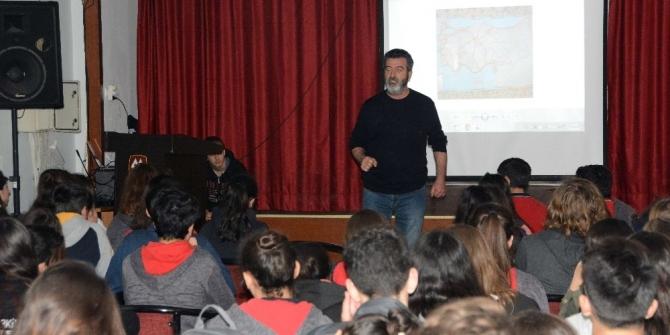 Öğrencilere hayvan hakları eğitimi