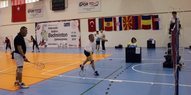 Veteranlar Balkan Badminton Şampiyonası Antalya'da başladı