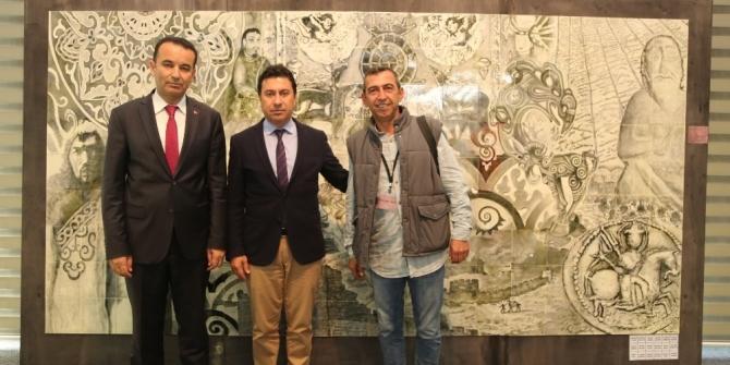Ahmet Aras, Orta Asya'da Türklerin Sanat Yolculuğu sergisini gezdi