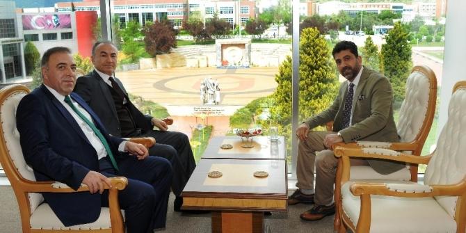 Malatyalı iş insanları Rektör Aldemir'e ziyaret etti