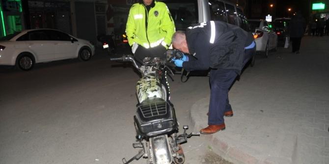 Dur ihtarına uymayan motosiklet çalıntı çıktı