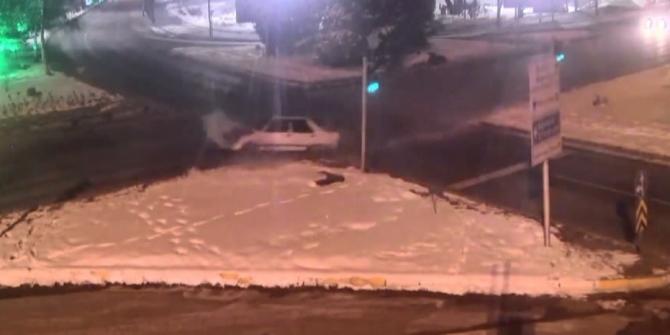 Erzurum'da trafik kazaları kameraya yansıdı