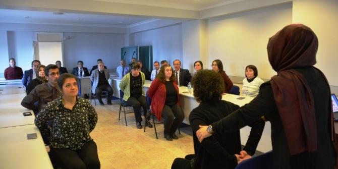 Kütahya'da kurumlardaki masa başı çalışanlarına egzersiz eğitimi