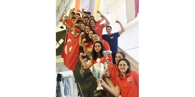 Multinations Yıldızlar Yüzme Şampiyonası'nda Türkiye 3 kategoride şampiyon