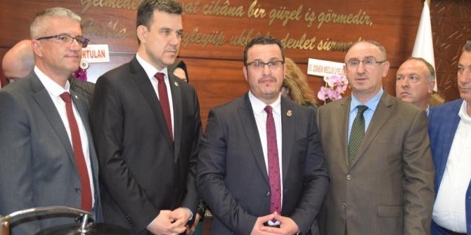 Mehmet Kanar mazbatasını aldı