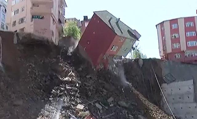 Kağıthane Belediye Başkanı çöken binayla ilgili açıklamada bulundu