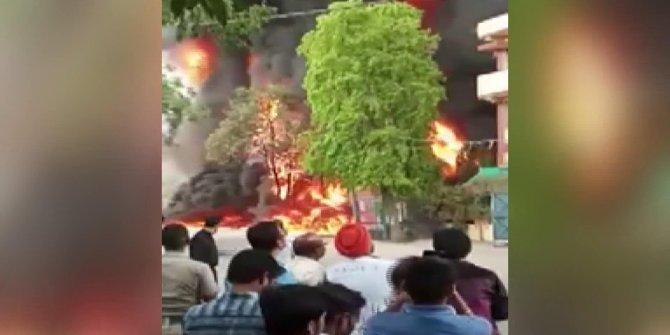 Hindistanda Kimya Fabrikasında Yangın