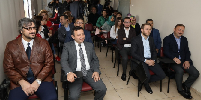ERÜ Rektörü Çalış, Gazetecilere Yönelik Eğitim Seminerine Katıldı