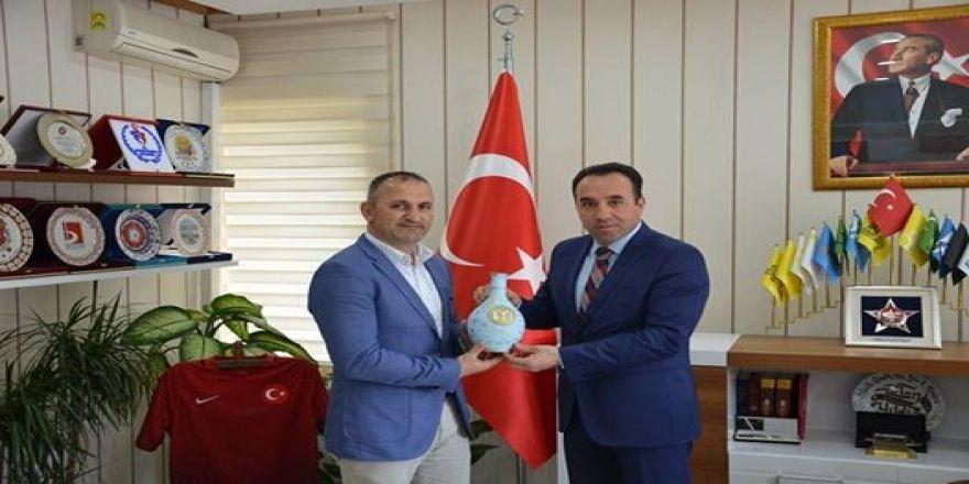 Türkiye Güreş Milli Takımlar Teknik Direktörü Berber'den İl Müdür Yıldız'a ziyaret