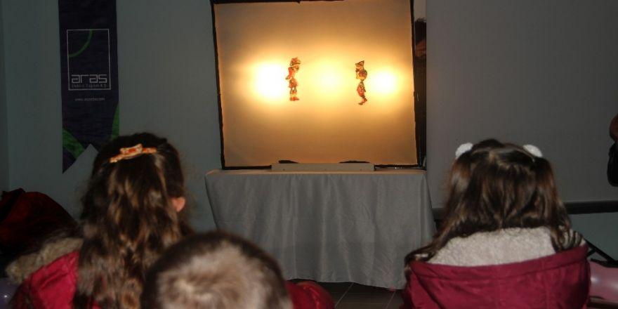 Aras EDAŞ çocukları Hacivat-Karagöz oyunu ile buluşturdu