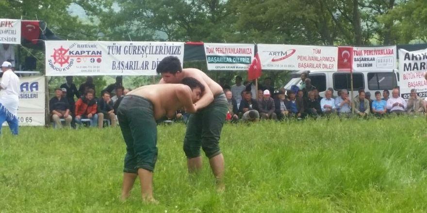 Halilağa köyü 3. yağlı pehlivan güreşleri yapıldı